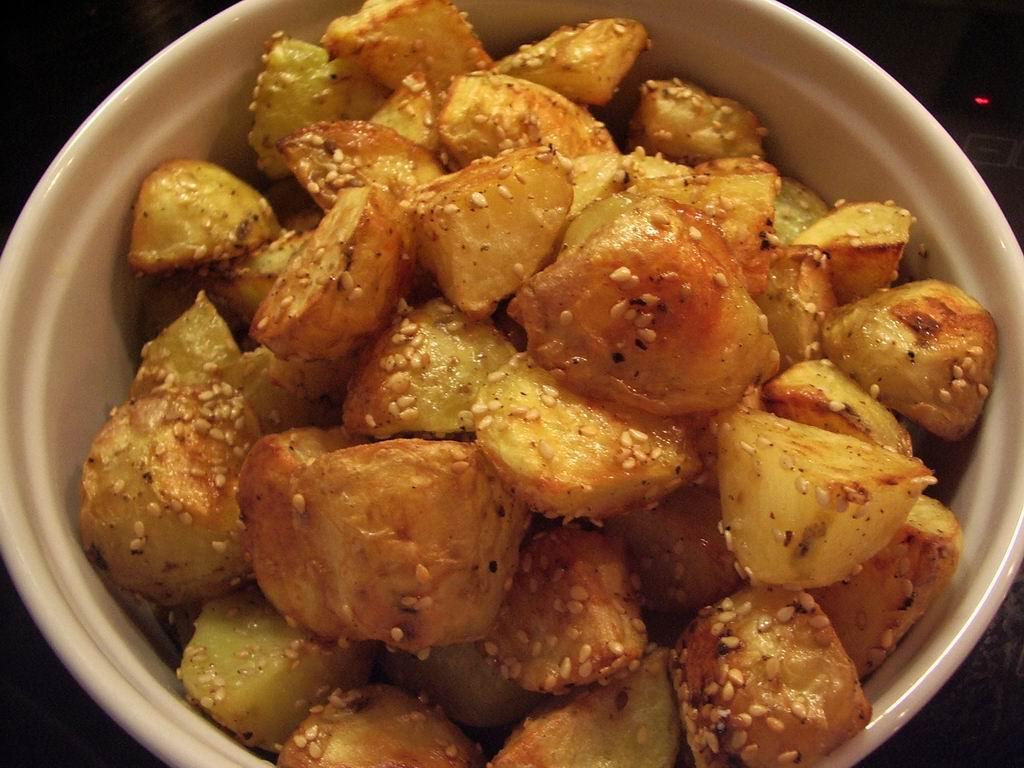 små råstegte kartofler i ovn